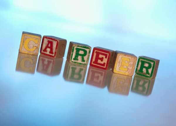 How To Manage Your Career With Technology