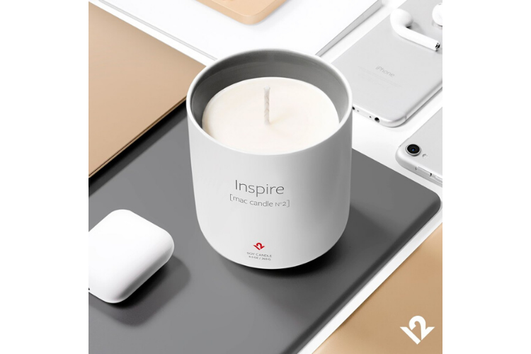 Tech Christmas Gifts 2019 - Mac Candle