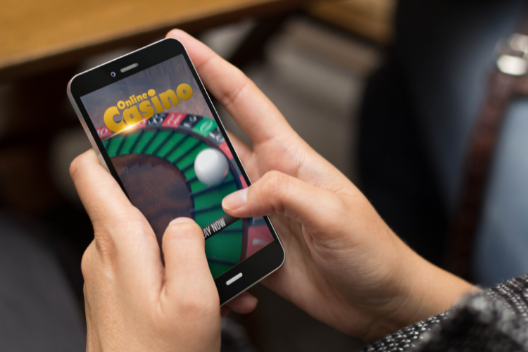 How smartphone technology is transforming the online casino industry